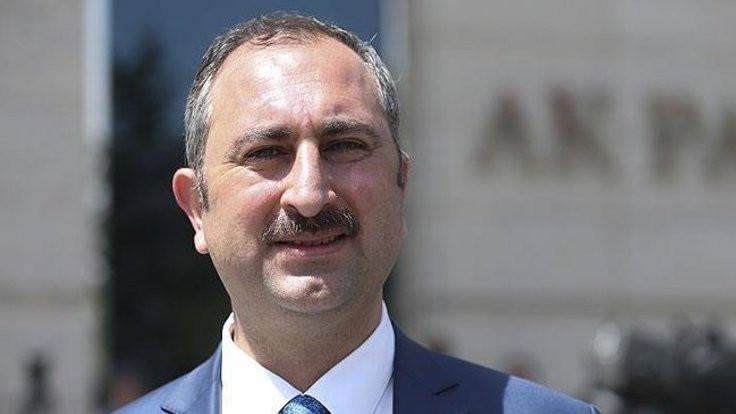 Bakandan Ahmet Şık yorumu: Saygı duyarız