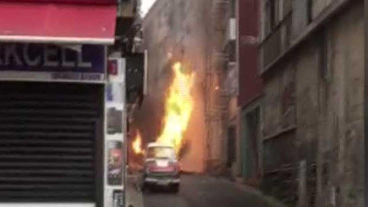 Sokak kazılırken doğalgaz patladı