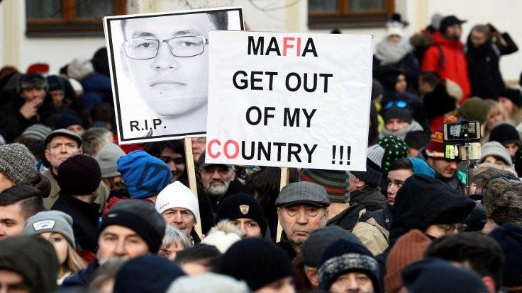 Slovakya'daki gazeteci cinayetinden sonra üç siyasetçi istifa etti