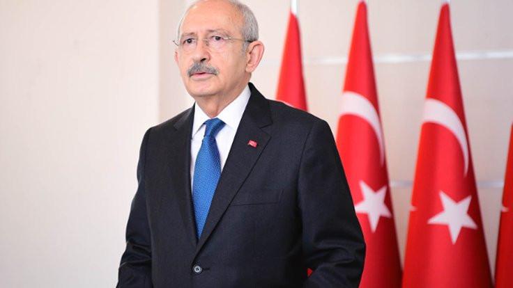 Kılıçdaroğlu'nun dairesine bayrak asıldı