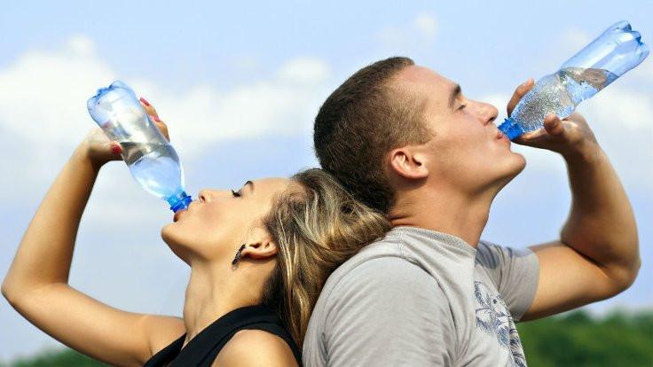 Büyük markaların içme suyunda plastik bulundu