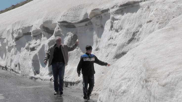 Nisan sonunda iki metre kar