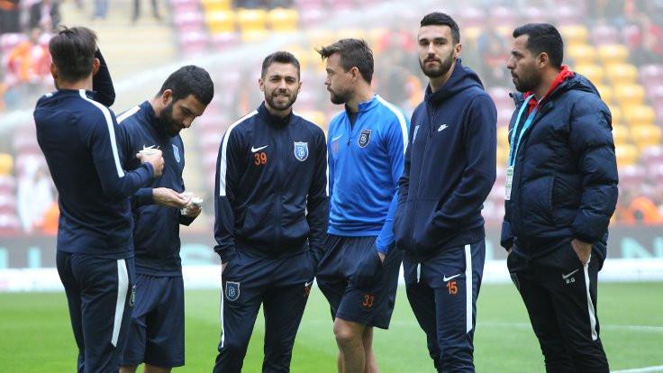 Galatasaray ve Başakşehir'in 11'leri belli oldu
