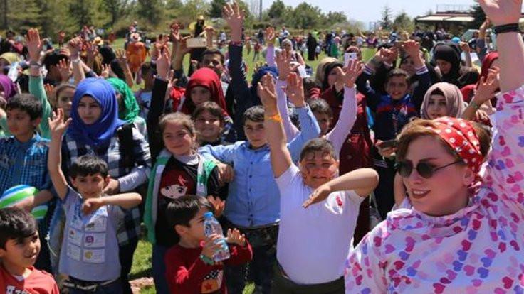 Mülteci çocuklar, Sertab Erener'le aynı sahnede