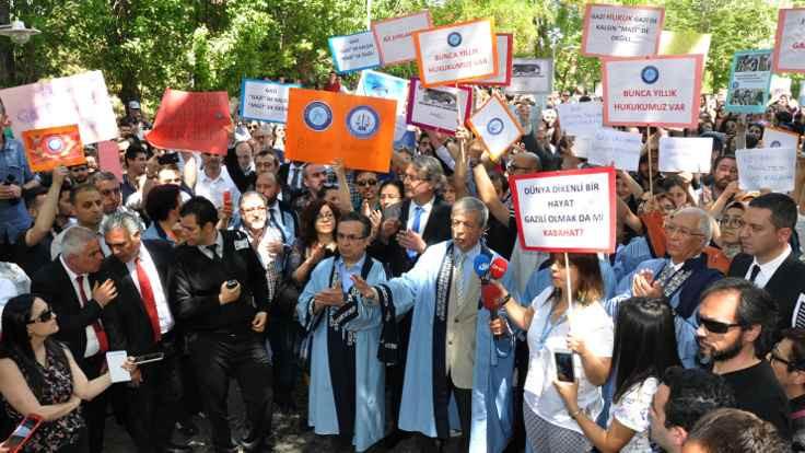 Gazi'de 'bölünme' protestosu