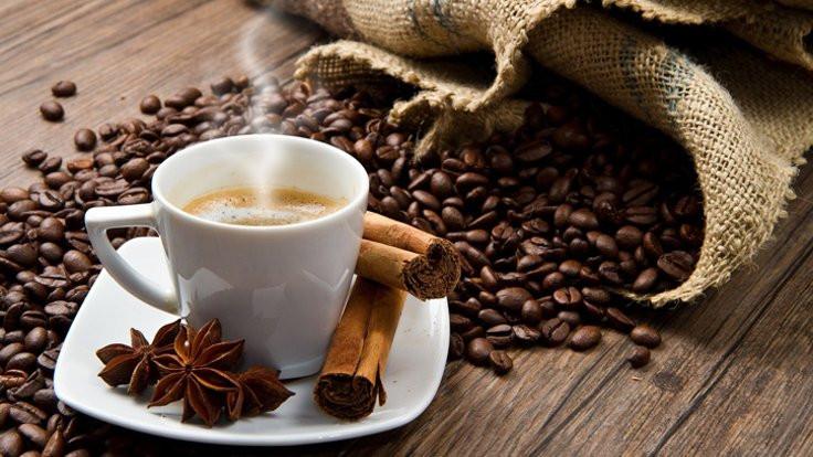 Kahve ve çikolata sahilde!