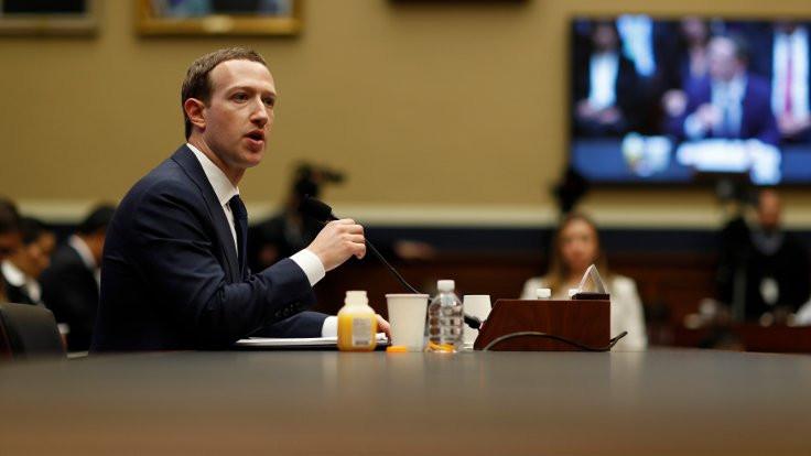 Zuckerberg: Benim verilerim de şirketin eline geçti