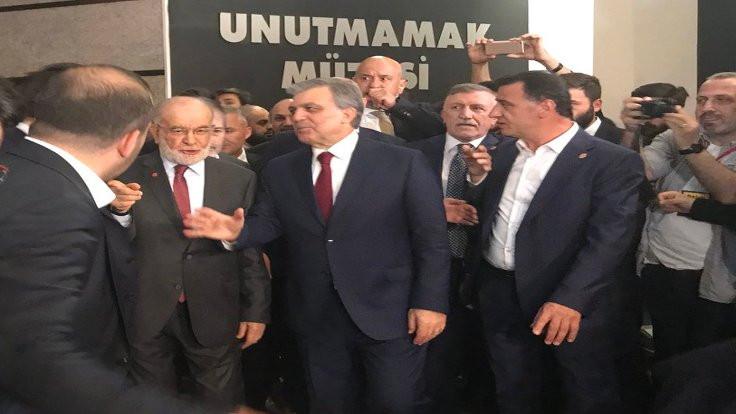 Gül ile Karamollaoğlu ödül töreninde
