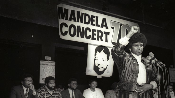 Winnie Mandela bir zorba değil kahramandı