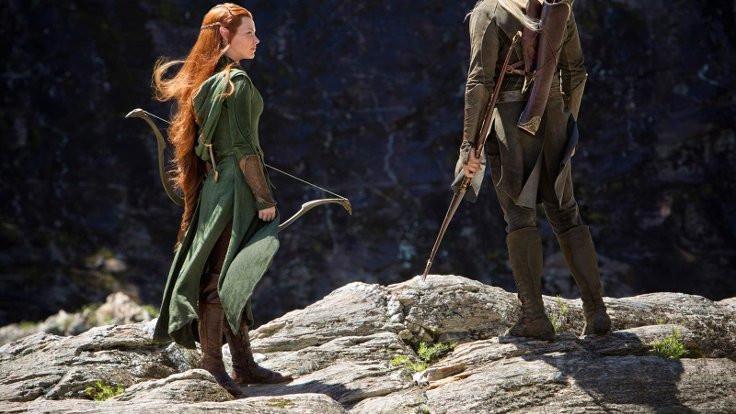 Elflere sandalet lazım ama deri pis kokuyor!