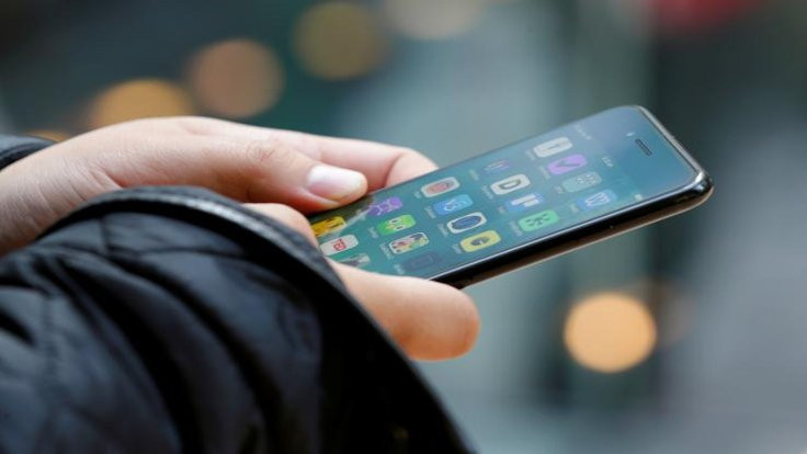 iPhone'a sıçradı: Telefonu kilitliyor!