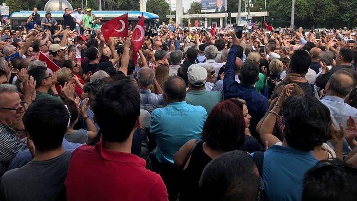 AK Partili başkandan İzmir Marşı çağrısı