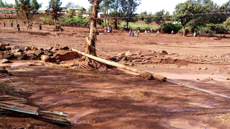 Kenya'da baraj çöktü