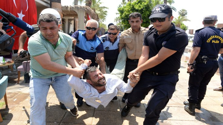 Mersin'de TOMA'lı yıkım: Çok sayıda gözaltı