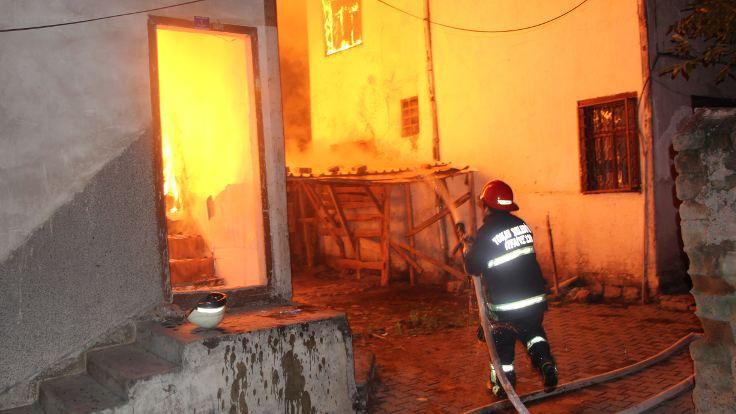 Tokat'ta yangına beş gözaltı