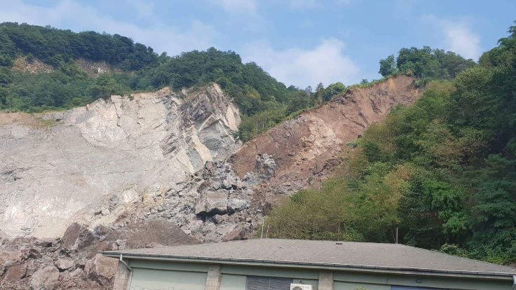 Taş ocağında patlama: 3 yaralı