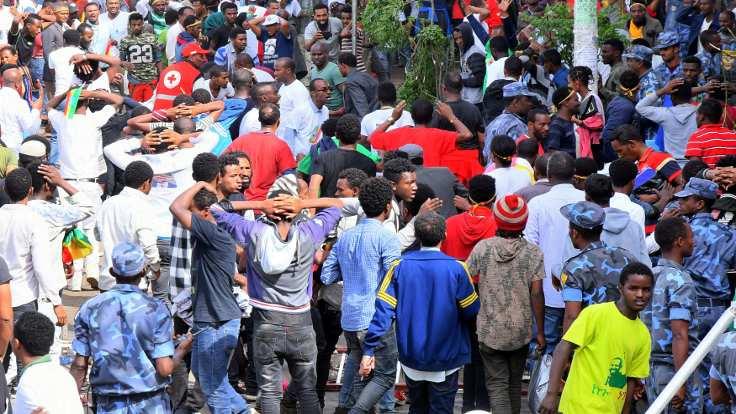 Etiyopya'da Başbakan'ın mitingine saldırı