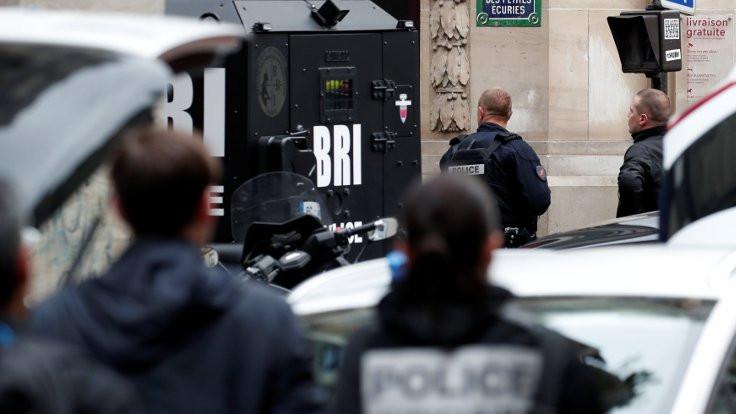 Paris'te İran elçisi için rehine krizi