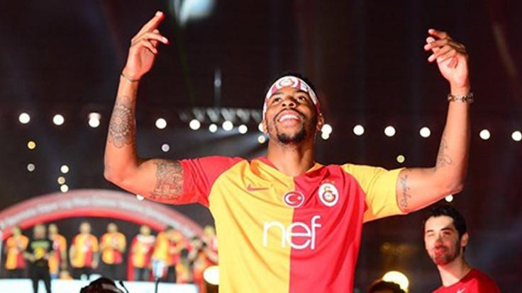 Galatasaray, Donk'la anlaştı