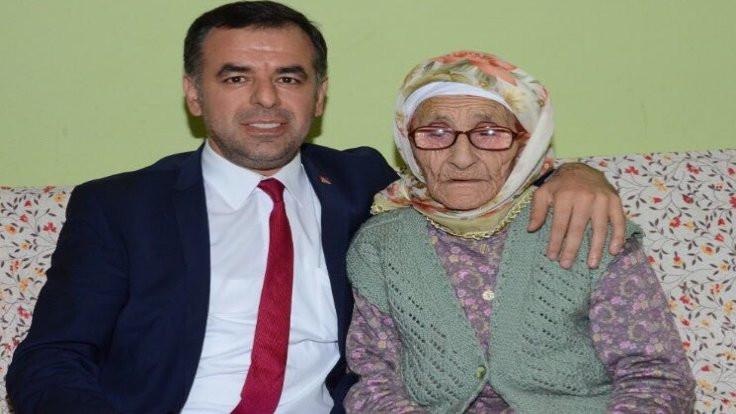 Barış Yarkadaş: Ecevit'e 'Karaoğlan' lakabını veren babaannemi kaybettik