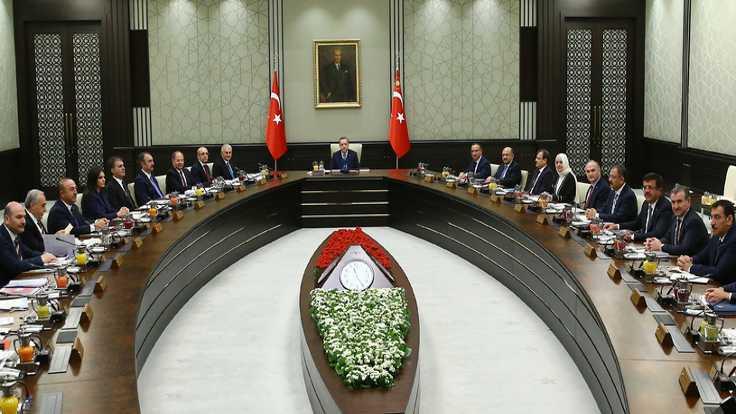 Bakanların yetkileri Erdoğan'a devredildi