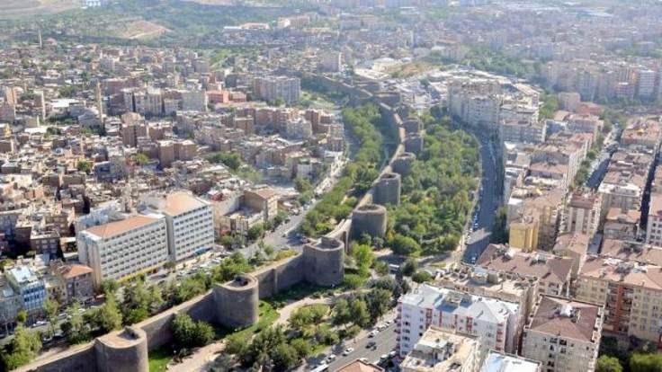 'Seçim sonrası Diyarbakır ve Van karamsar'