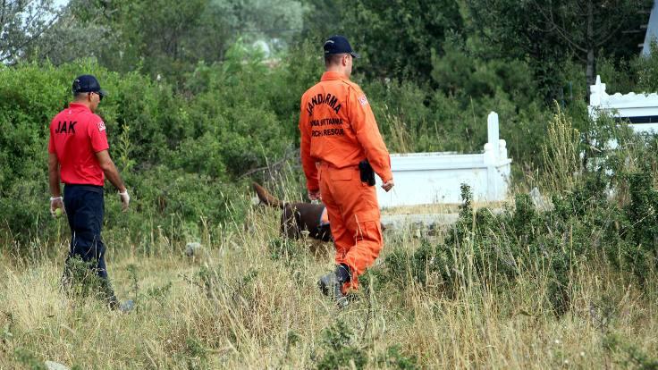 Kayıp Evrim Atış köy mezarlığında arandı