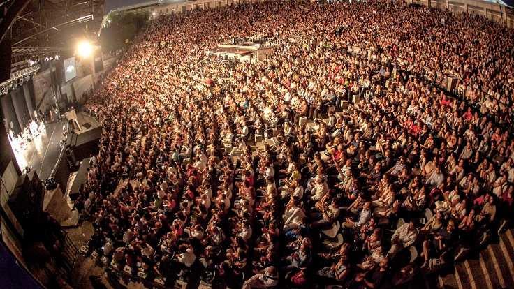 Harbiye'de konser zamanı