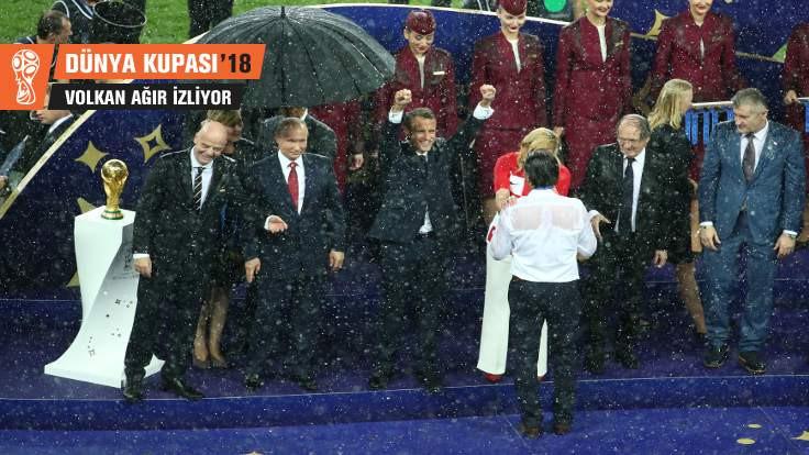 Bir Putin değildim, şemsiye tutanım yoktu