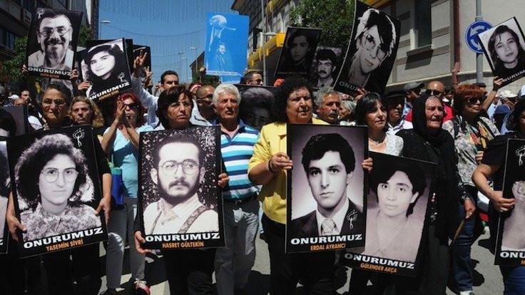Sivas Katliamı 25. yılında: Türküler yanmaz, şiirler yanmaz