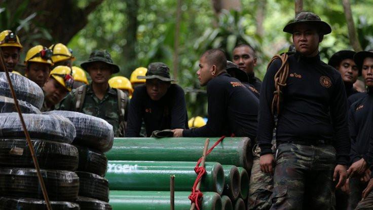 Tayland'daki mağarada herkes kurtarıldı
