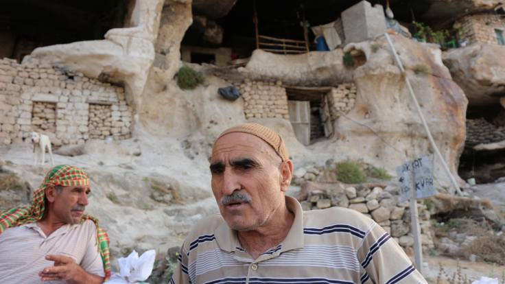 Yaşadığı mağarası için imar barışı istedi