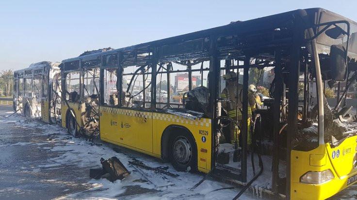 İETT otobüsü yandı