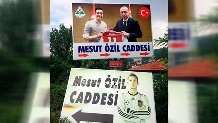 Özil'in memleketine Erdoğan'lı fotoğraf