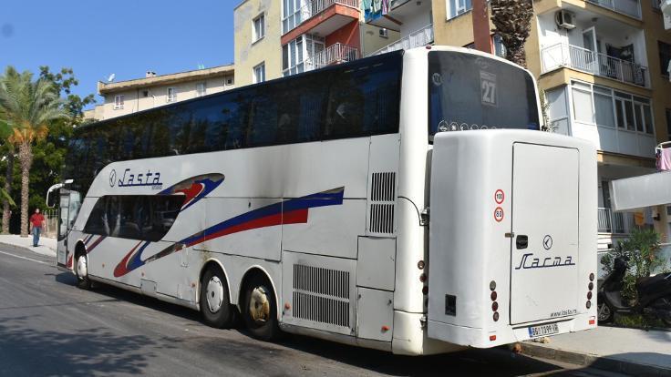 Turist otobüsüne molotoflu saldırı