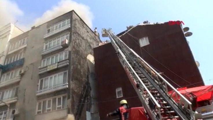 Fatih'teki iş yerinde yangın!
