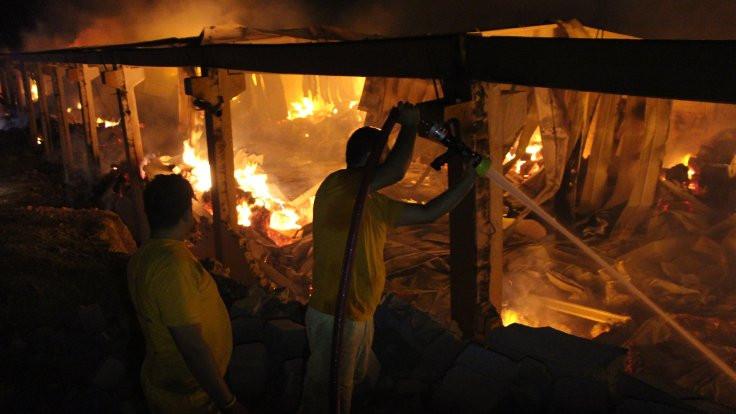 Şanlıurfa'da fabrika yangını: 2 yaralı