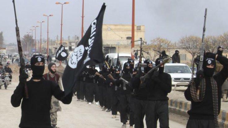 IŞİD'e bomba tarifi veren Norveç vatandaşı yargılanıyor