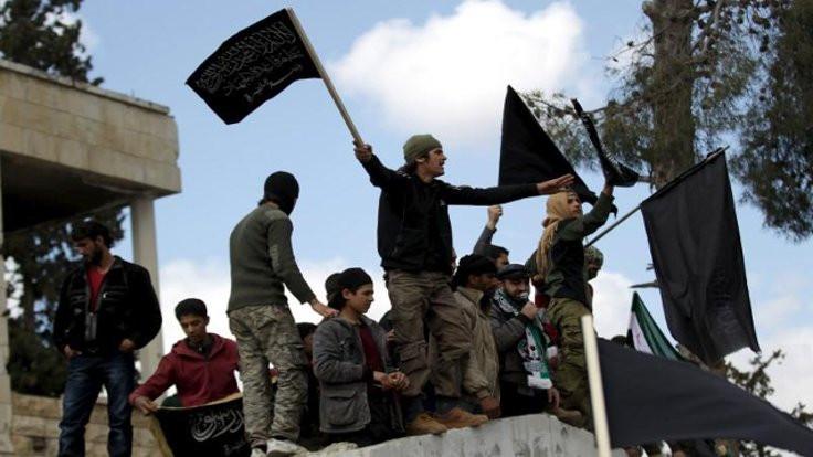 Rusya: El Nusra İdlib'de yerleşimlere ateş açtı