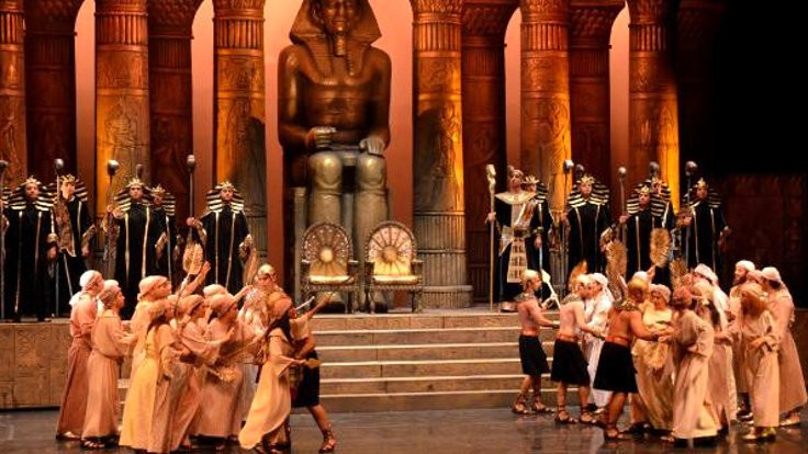 Aspendos'ta opera festivali