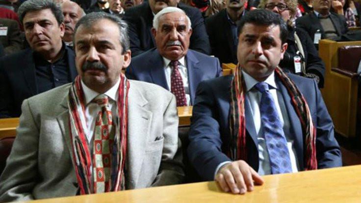 Demirtaş'a 4 yıl 8 ay, Önder'e 3.5 yıl hapis