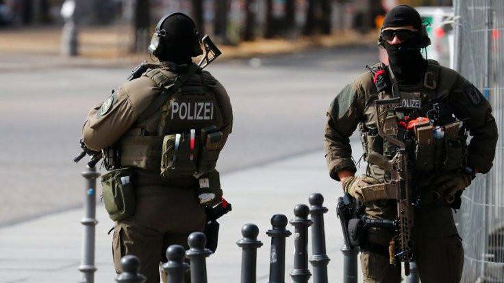 Erdoğan'ın ziyaretinde görevli 2 polise soruşturma açıldı