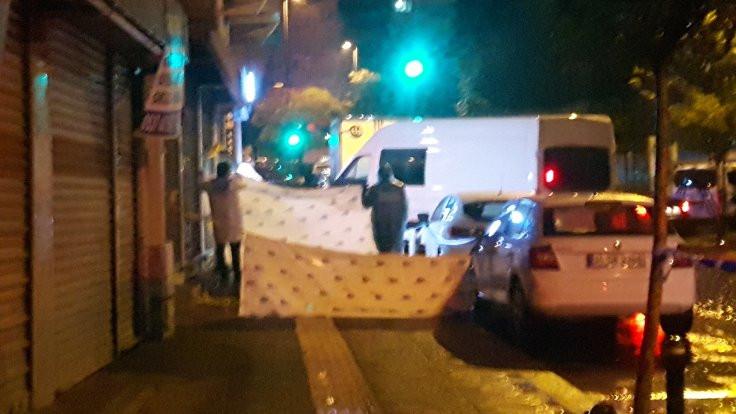 İstanbul'da boğazı kesilerek öldürüldü