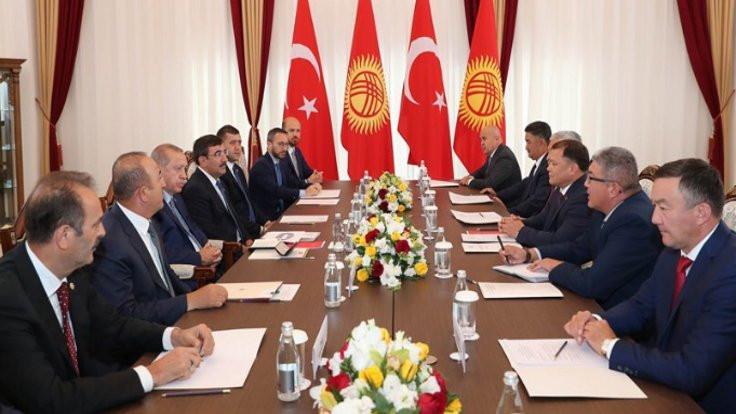 'Bilal Erdoğan hangi sıfatla masada?'