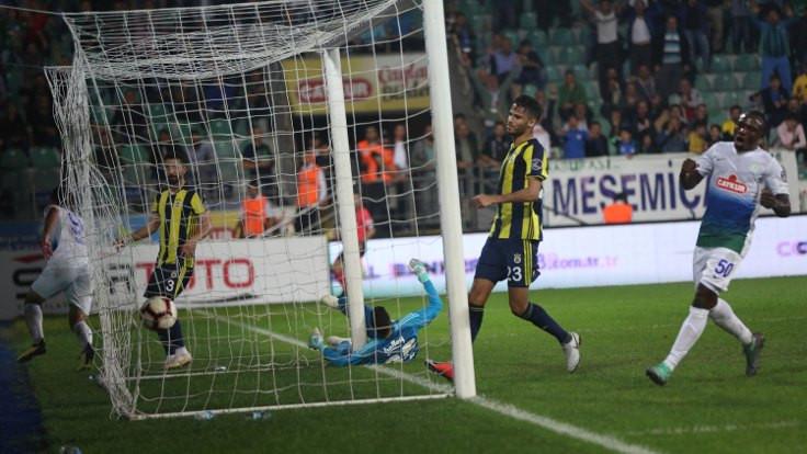 Çaykur Rizespor Fenerbahçe'yi 3 golle mağlup etti