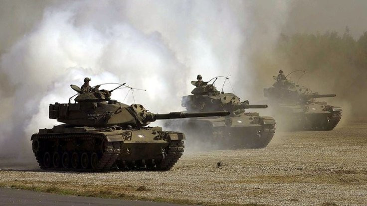 Hatay sınırına tank sevkiyatı