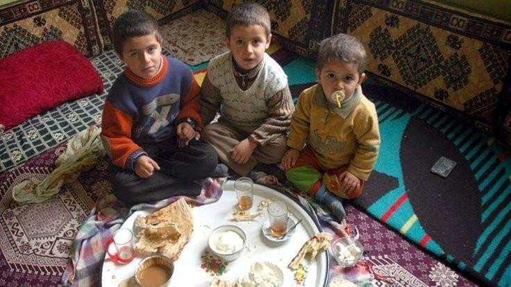 Açlık sınırı 2 bin 438 liraya yükseldi