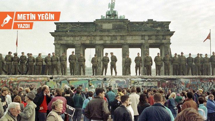 Berlin Duvarı hepimizin üstüne yıkıldı