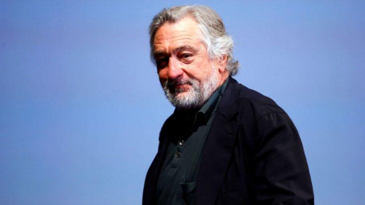 Robert De Niro'ya bombalı paket!