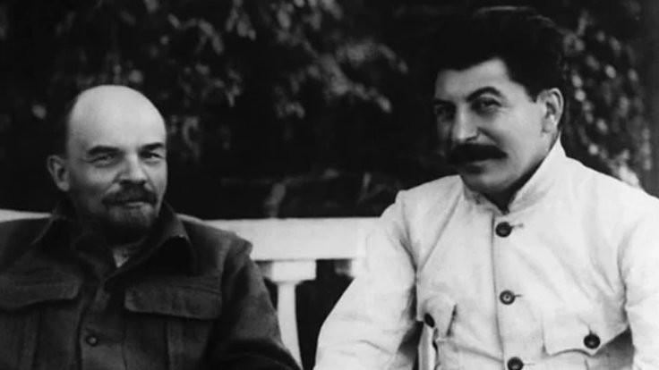 Stalin'den komik şiir: Dostum seni anlamaktansa...